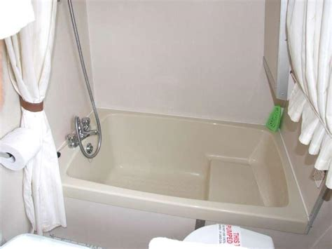 sitting bathtubs sit in bathtub 28 images walk in tubs compact sit down