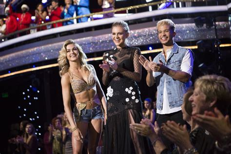 dancing with the stars season 19 finale dwts live kelsea ballerini at dancing with the stars season 25
