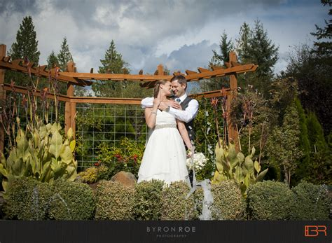 Winding Path Gardens by Justin Winding Path Gardens Wedding Photography