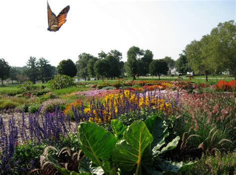 cedar rapids park here are 8 beautiful gardens you will only find in iowa
