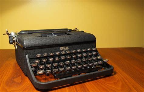 Ub Varsity 1939 royal varsity typewriter ub 107083 twdb