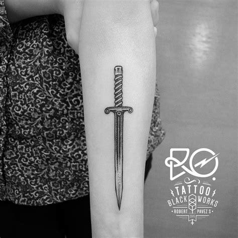 simple knife tattoo simple dagger tattoo tumblr google search tatto