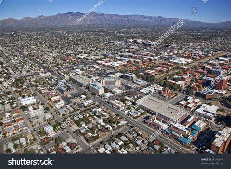 Tucson Az Search Tucson Arizona Skyline With The Mountains In The Distance Stock Photo