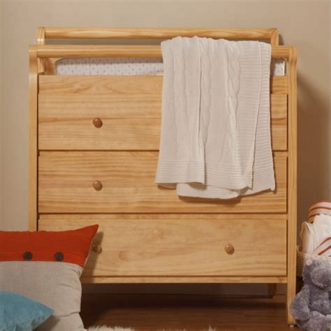 Pine Changing Table Davinci Emily Pine Wood 3 Drawer Changing Table In M4755n