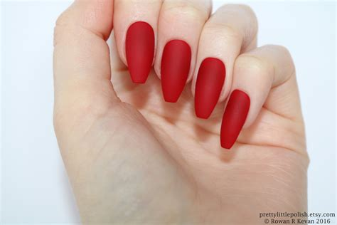 Nägel Rot by Matte Coffin Nails Nail Designs Nail Nails