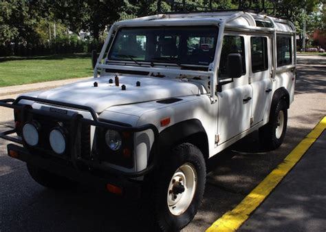 land rover rusty rusty 1993 land rover defender 110 nas bring a trailer
