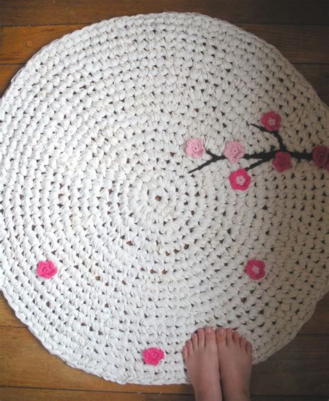 crochet rug diy sooo going to engineer this crochet rag rug with cherry blossoms knit crochet