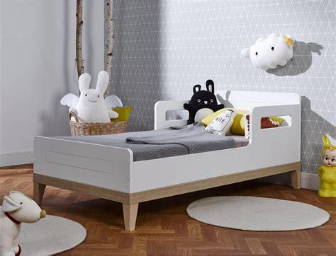 position lit dans une chambre fabulous lit estil bien