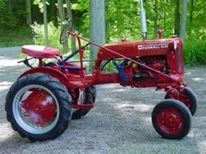 1948 farmall cub antique tractor