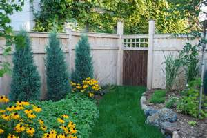 20 amazing ideas for your backyard fence design style