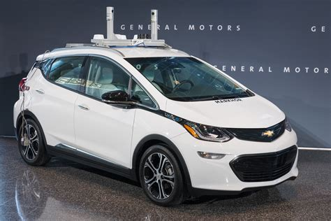 there will be quot thousands quot of self driving chevrolet bolt