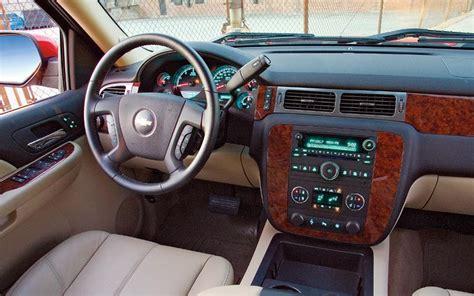 2007 Chevy Silverado Interior by To 2007 Chevrolet Silverado Vs 2007 Toyota