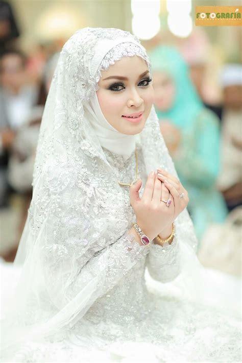 2053 best Muslim Wedding Dress Ideas images on Pinterest