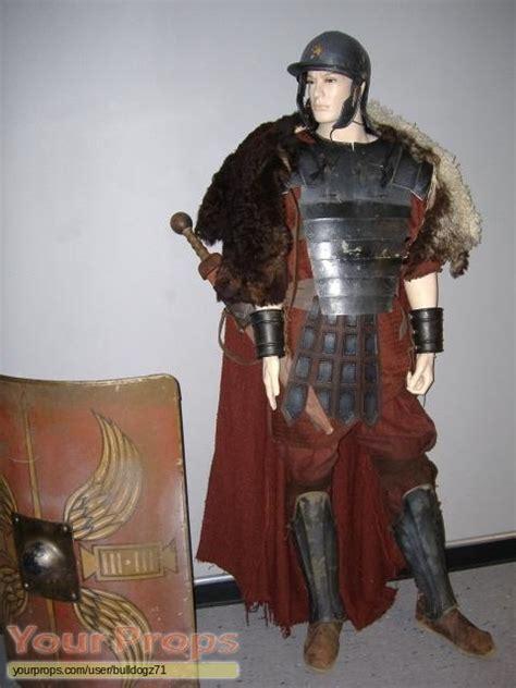 gladiator film costume designer gladiator roman infantry costume original movie costume