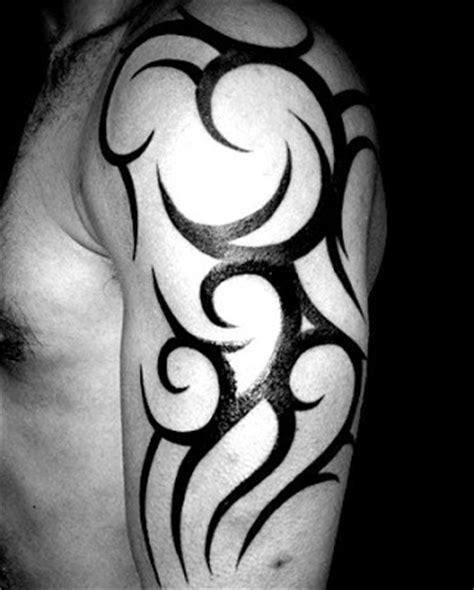 tato bahu keren 17 gambar tato tribal terbaik tahun 2017 gambar tips