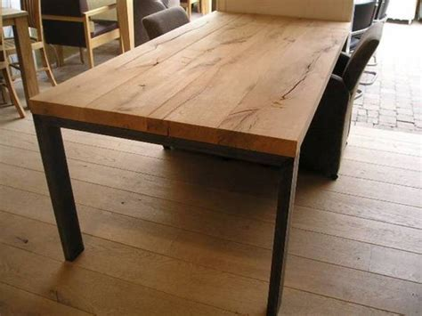 robuuste eettafel met staal eiken tafel met stalen jukken te boveldt meubelmakerij