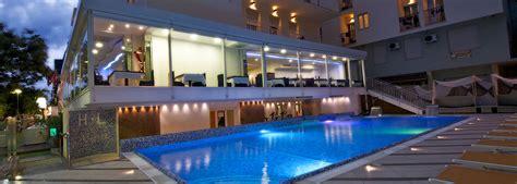 hotel cattolica con piscina interna hotel con piscina cattolica albergo 3 stelle con piscina