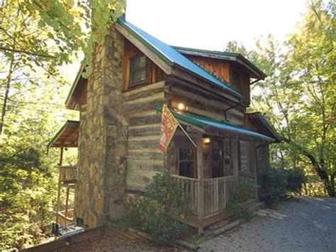 2 bedroom cabins in gatlinburg country charm 2 bedroom vacation cabin rental in