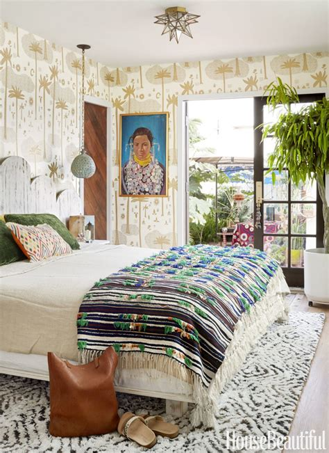 8 X 10 Bedroom Design by 10 Design Tips On How To Cleverly Enhance Small Bedrooms