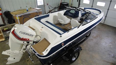 boat lifts for sale fox lake il fox lake new boats larson dealer used boats lake county il