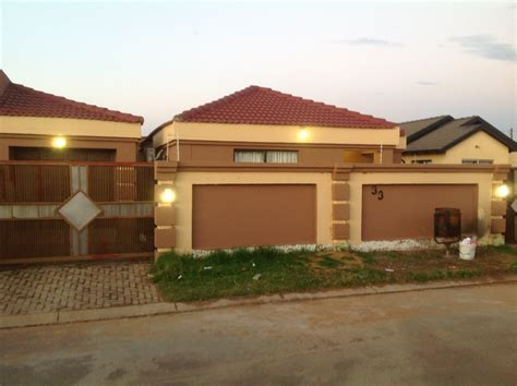 designer homes for sale house for sale in vosloorus 3 bedroom 3303084 10 1