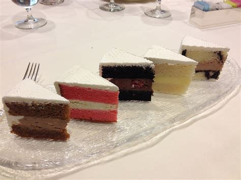 Wedding Cake Flavor Combinations   Wedding and Bridal