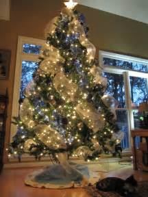 how to decorate a tree with deco mesh how to decorate tree with mesh letter of