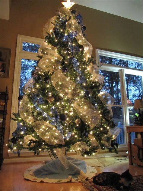 deco mesh blue white christmas tree simple christmas