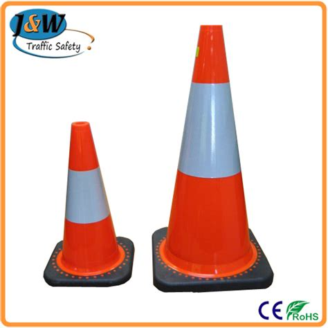 Generic Rubber 70cm Traffic Cone wholesale pe plastic traffic cone with recycling rubber