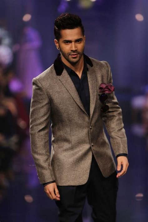 varun dhawan new style dresses varun dhawan for manish malhotra at lakmefashionweek 2014