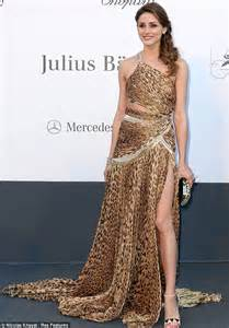 Print Hanging Frame by Olivia Palermo Ditches The Catwalk Style For Revealing Wag Esque Gown Daily Mail Online