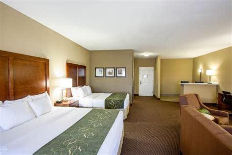comfort inn crossville tn comfort suites hotel 2581 east 1st street in