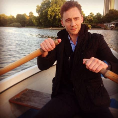 row row row your boat gently down the stream row row row your boat gently down the thames lol quot i m
