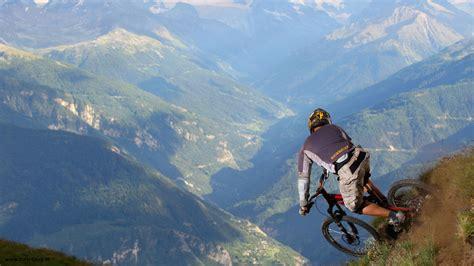 themes sport com desktop extreme mountain bike images wallpaper