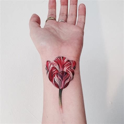 small tulip tattoos 9 best tulip tattoos in simple and small designs styles