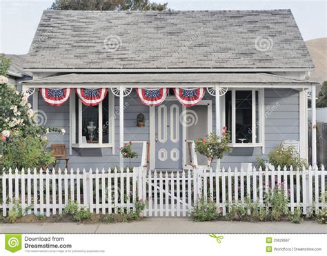 hous com classic historic american colonial era wooden hous royalty