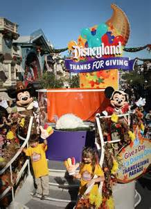 thanksgiving in disney world thanksgiving day parade at disneyland park disney parks blog