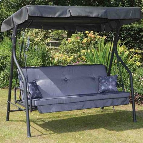 Swing Bed With Canopy 25 Best Ideas About Outdoor Swing Beds On Pinterest