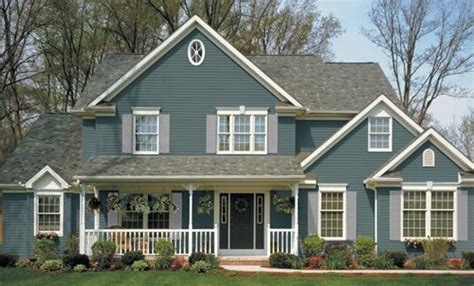 Which Is Better Hardie Or Monogram Vinyl - 25 best ideas about blue vinyl siding on home