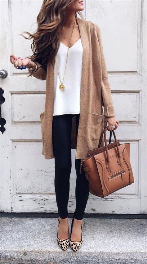 stylische business casual outfits mit wohnungen  damen