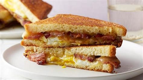 protein 2 slices bacon bacon egg and maple grilled cheese recipe nutrition