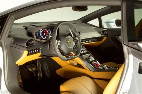 lamborghini interior 2015 lamborghini huracan look photo gallery motor