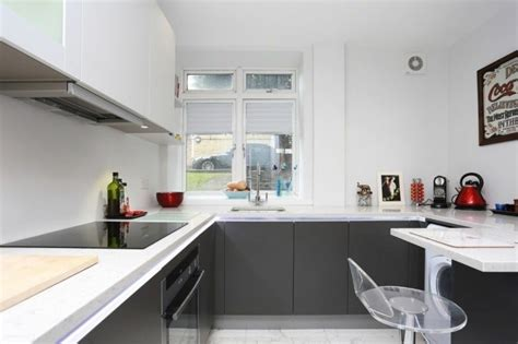 cuisine blanche grise cuisine gris anthracite 56 id 233 es pour une cuisine chic