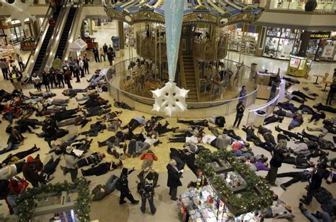 layout of chesterfield mall protesters stage a