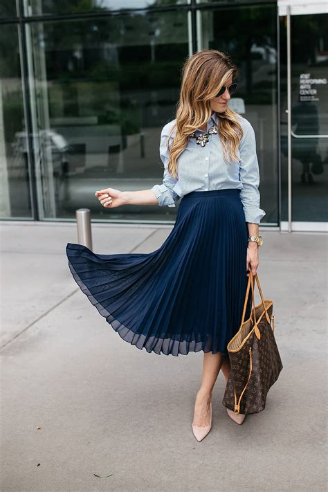 Cqs Guide To The Seasons Difficult Trends Work For You 1 The Maxi Dress by How To Incorporate Trends At Work Dressing Stylish Yet