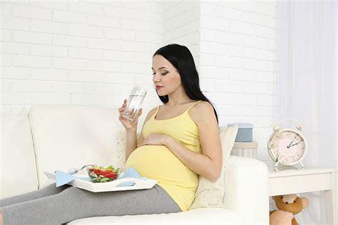 alimenti contro la nausea cibi in gravidanza quali aiutano a combattere la nausa