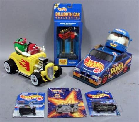 Hotwheels M hotrod m m dispenser hotwheels nascar driver bubba
