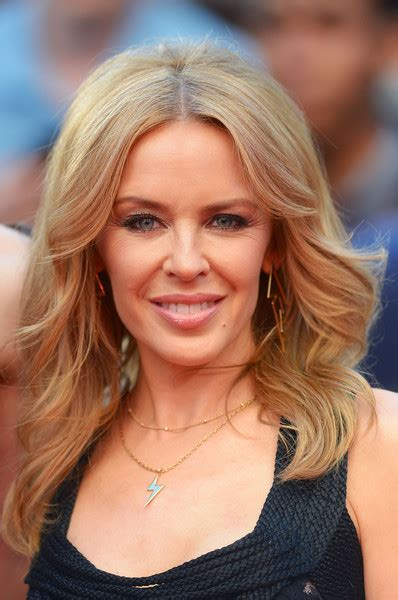 Minogue Hairstyles by Minogue Retro Hairstyle Minogue Looks