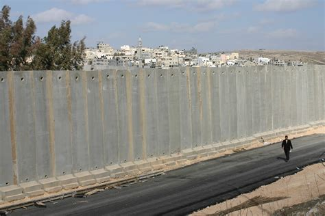 the wall and the gate israel palestine and the battle for human rights books gary field s photos of palestine