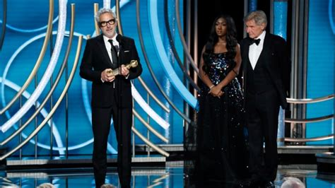 roma alfonso cuaron vancouver alfonso cuaron and his film roma win at golden globes